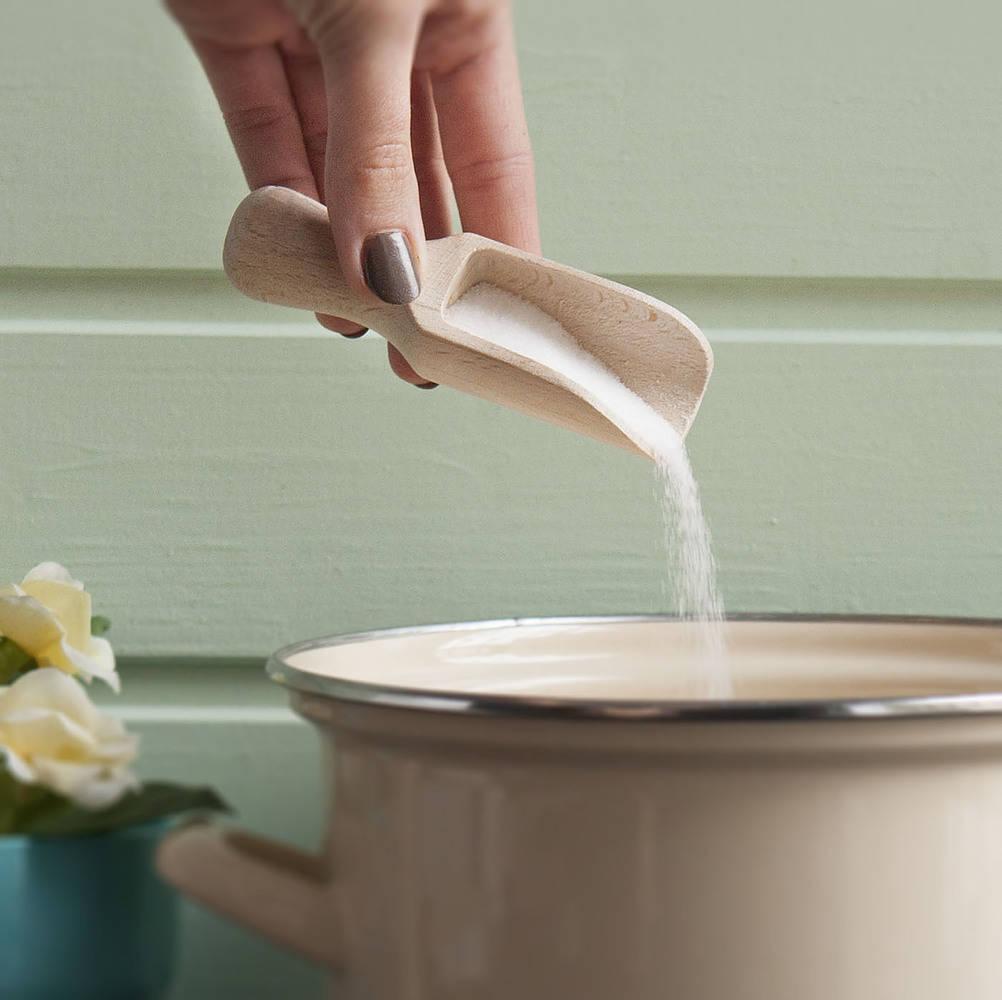 Cuchara de sal de madera