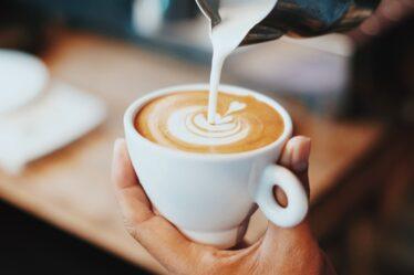 ¿Cómo hacer café con leche?