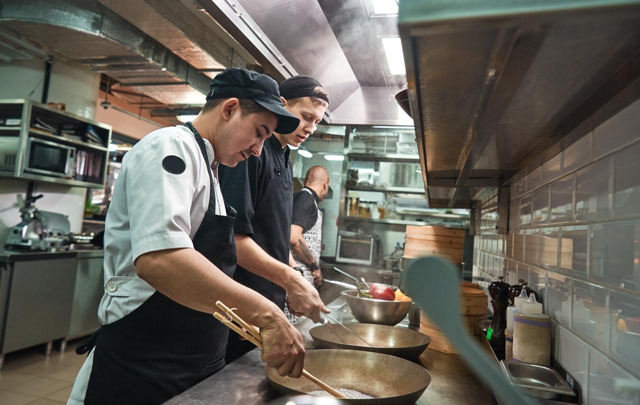 ¿Una técnica universal, rápida, eficaz y económica para procesar todo tipo de alimentos en gastronomía?  Descubre los beneficios de freír