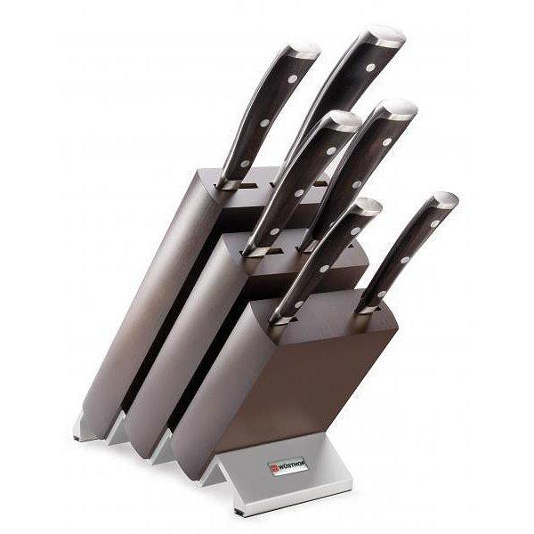 Cuchillos en el bloque de Wusthof Simple Ikon