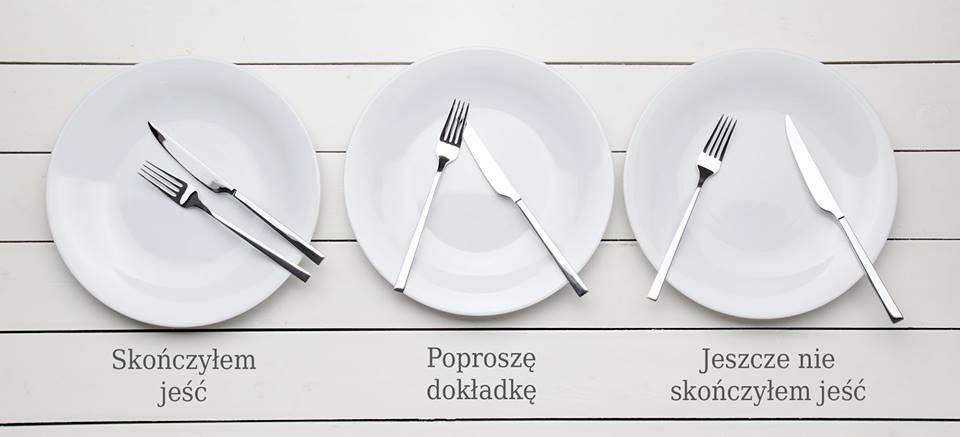 Colocación de cubiertos sobre la mesa infografía