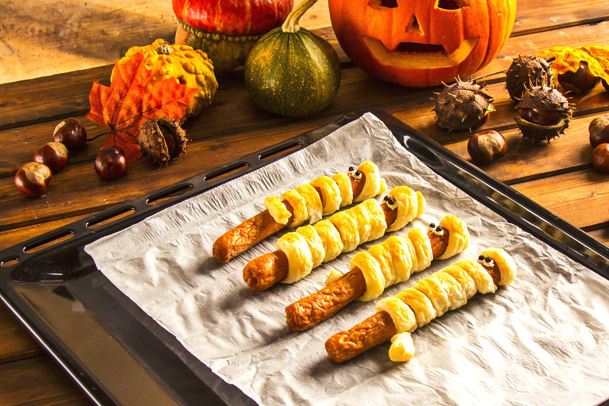 Salchichas / salchichas kabanos en hojaldre - receta de Halloween