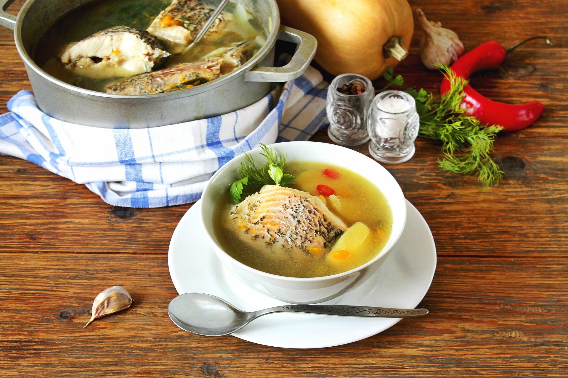 Sopa de pescado de carpa para Nochebuena - receta