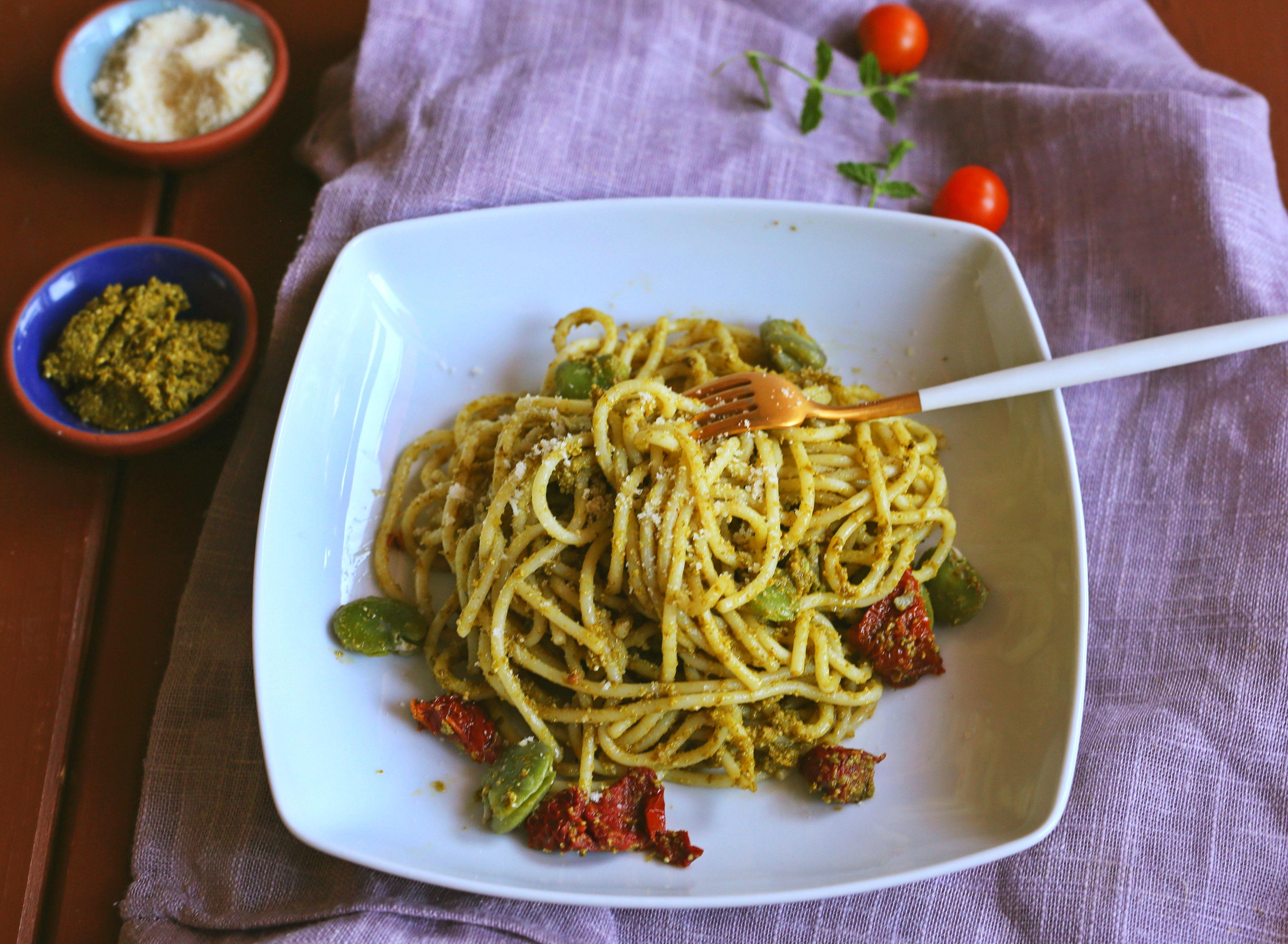 Espaguetis con pesto verde