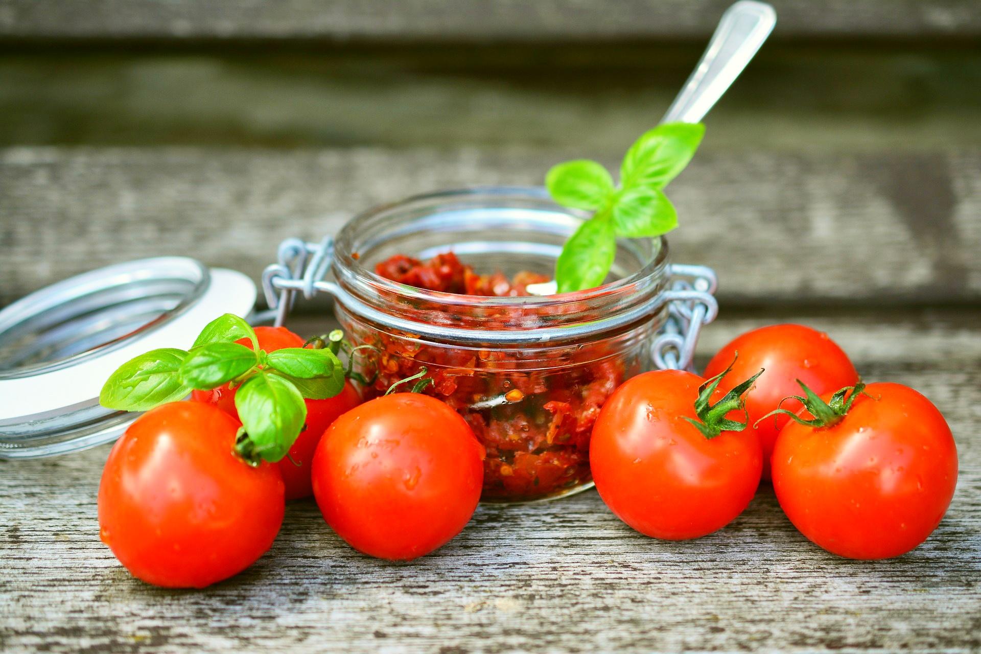 Pasta de tomate y aceitunas - receta
