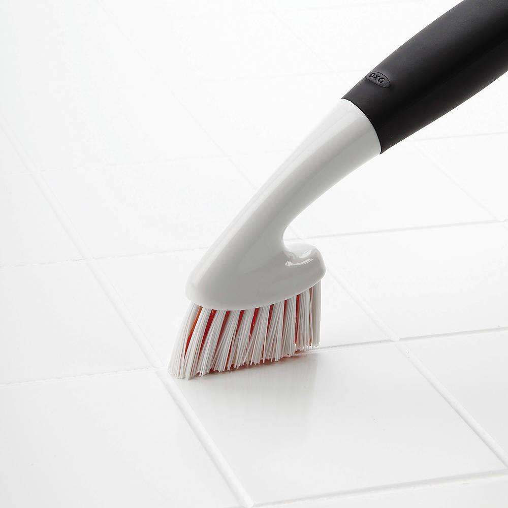 Cepillo de limpieza de juntas OXO