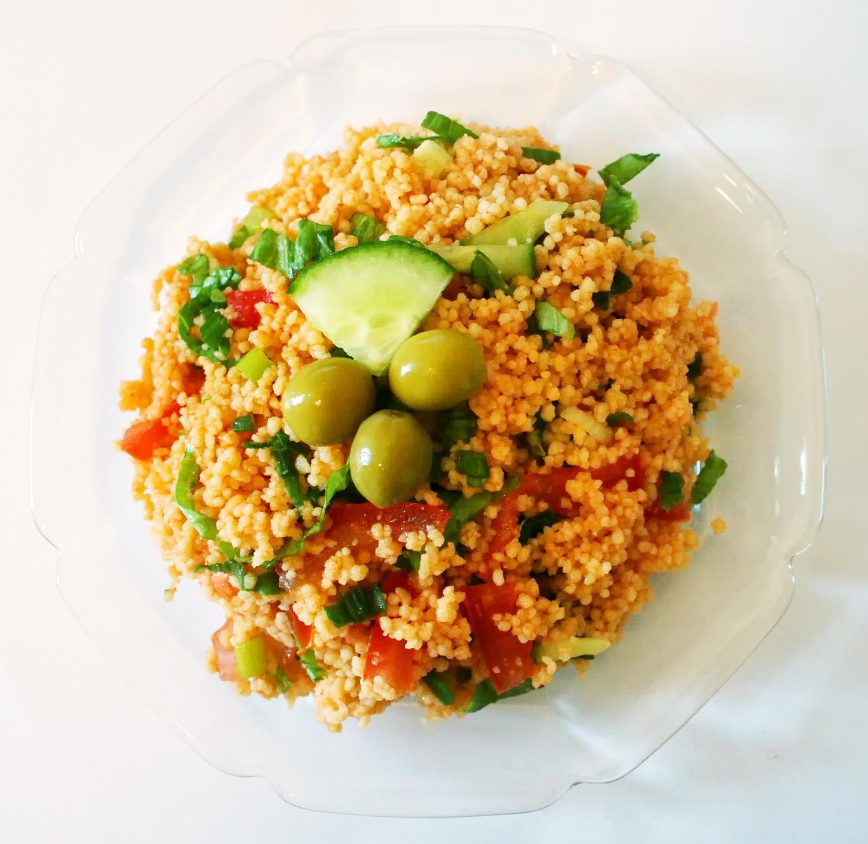 Ensalada turca KISIR o cuscús con verduras - receta