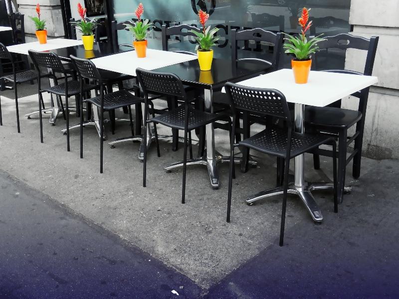 Fin de semana de mayo en el restaurante.  ¿Cómo ganar en el largo fin de semana de mayo?