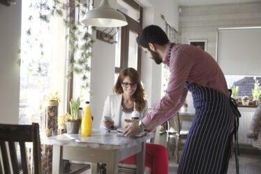 Formas de introducir disciplina entre los empleados de los restaurantes