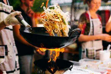 Los secretos del wok ... Entonces, ¿cómo elegir un wok y cómo usarlo?