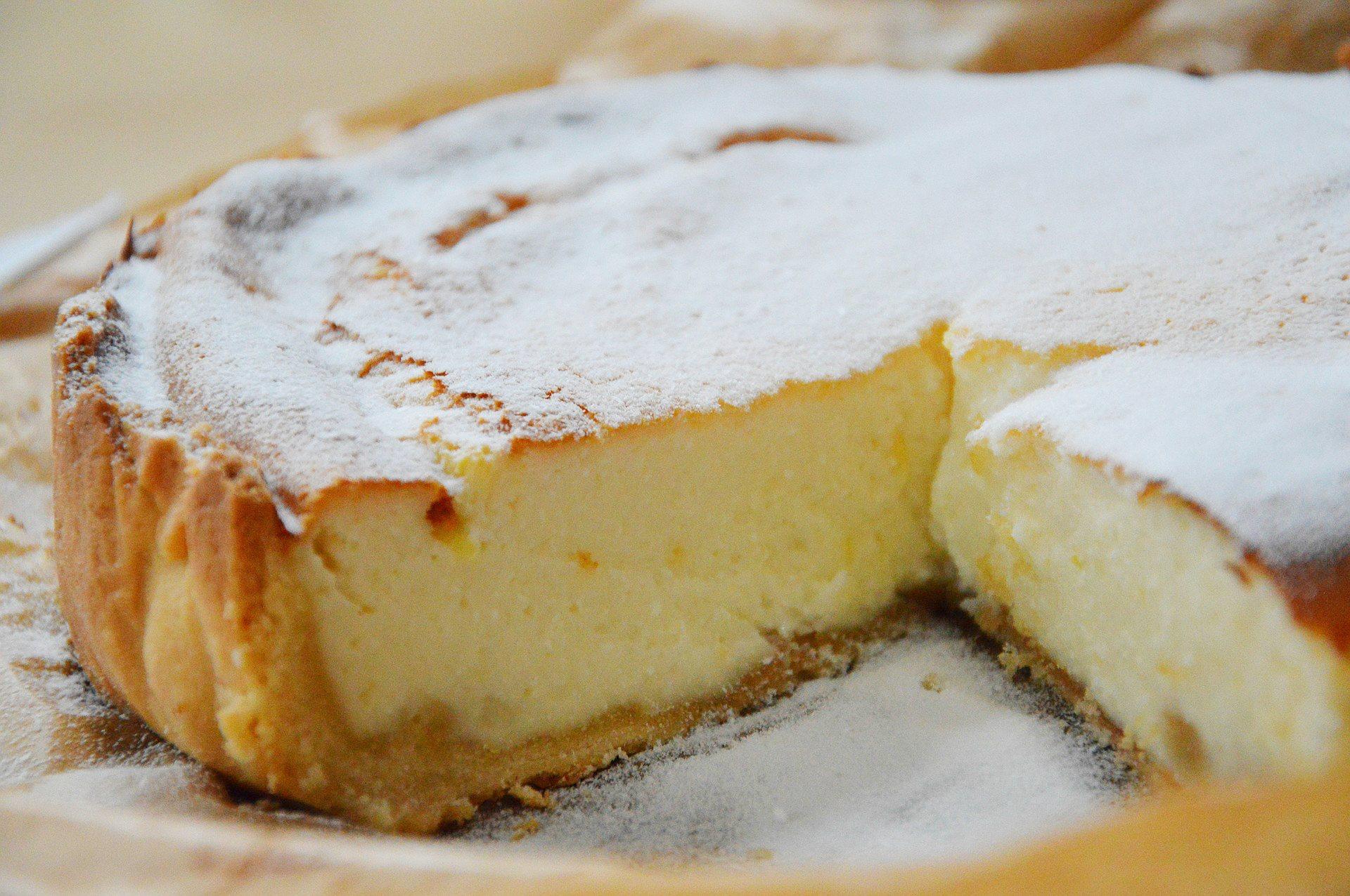 Receta de tarta de queso al horno con mascarpone sobre galletas