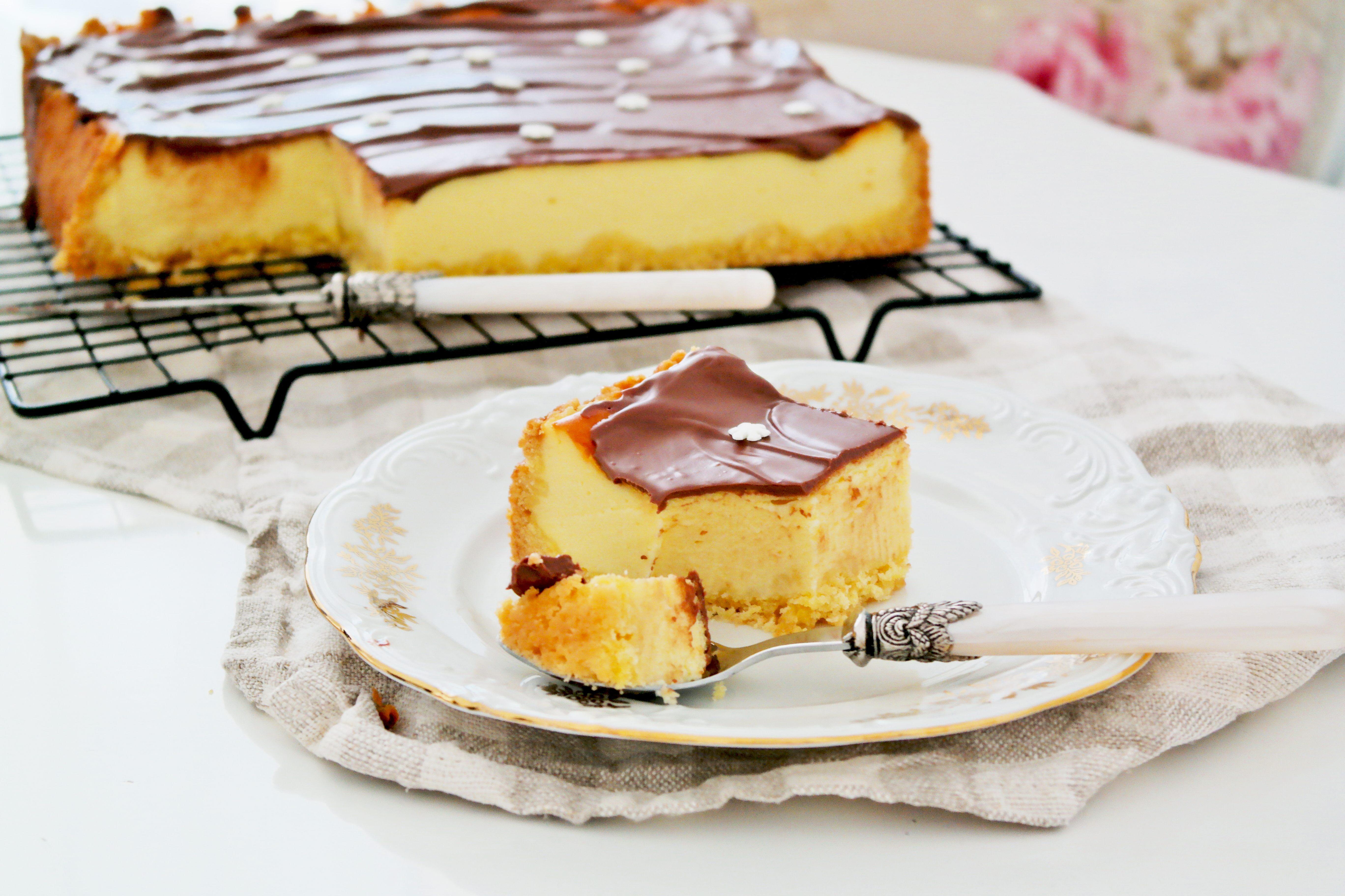 Receta de tarta de queso de un balde sobre una base crujiente