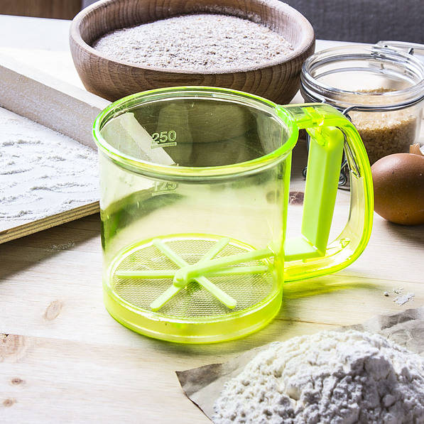 Tamiz de harina de plástico verde